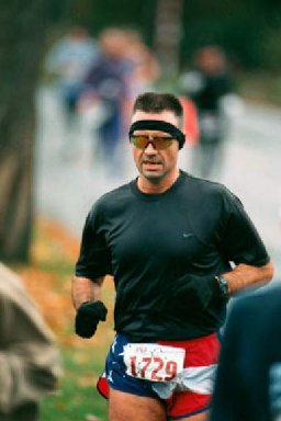 Blake Uhl, running the Seattle Marathon 2001.