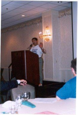 Hajime Nishi speaks at DesMoines Marathon Pasta Dinner 10/6/02