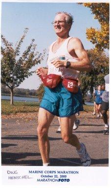 Doug Henschel Running the Marine Corps Marathon 10/22/02