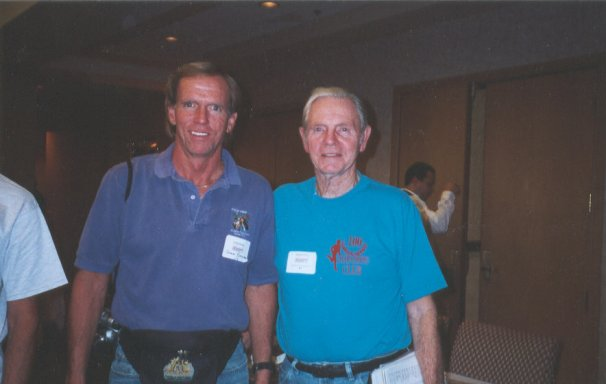 John Bozung (Utah) Bob Dolphin (Washington) Nov. 2001 at the Oklahoma Marathon in Tulsa