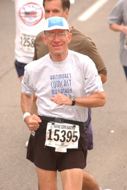 Eliot Collins running the Marine Corps Marathon 2002