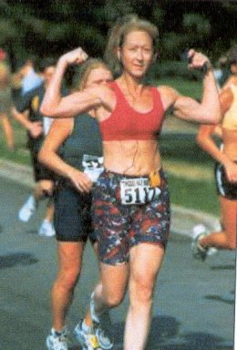 Wonder Women, no it's Cathy Johnson showing her muscle early in the run!!