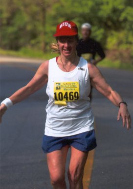 Meta Minton running the Kentucky Derby Marathon April 26, 2003