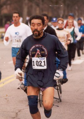 Luis Rios running the Fenway Saucony 5000 race.