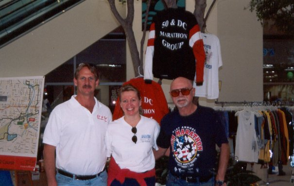 Jerry Schaver, Meta Minton, and Neil Horton at the Des Moines Expo. 10/04/03