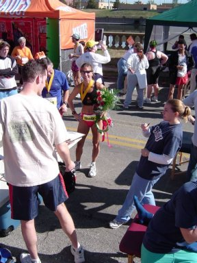 Wendy Hall wins the DesMoines Marathon on 10/05/03