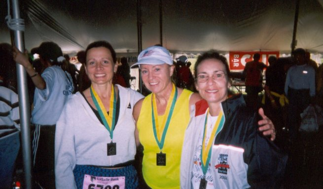 Mieka Gerard (in middle) and friends at the Chicago Marathon 2003.