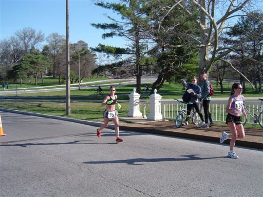 Wendy Hall at mile 10 of the Women's Olympic Time Trials 2004.