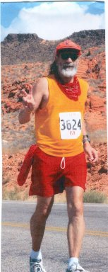 Tom Hallee running the St. George Marathon on this way to a 6:18 Marathon. 10/02/04