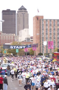 Start of the Des Moines Marathon October 17, 2004.