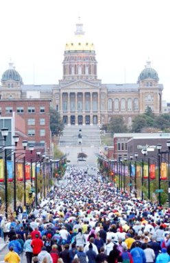 First 1/2 mile of the DesMoines Marathon October 17, 2004.