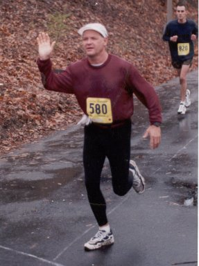 Tom Hosner, running the Seattle Marathon in November in 1996.