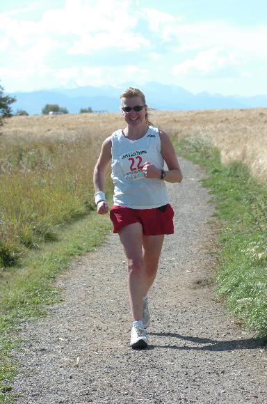 Meta Minton from Illinois running the Lewis & Clark Marathon.