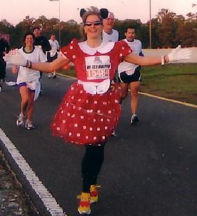 Bekkie Wright from Connecticut running the Half Marathon at Disney during the Goofy Challenge 01/07/06.