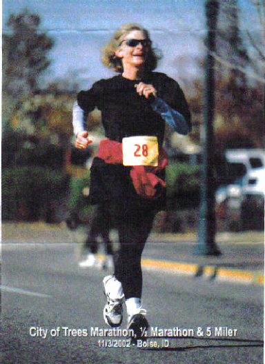 Lou Norton running the City of Trees Marathon in Boise, ID 11/3/02.