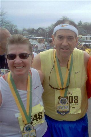 Meta Minton with the Arkansas Governor 03/05/06 after the Little Rock Arkansas Marathon.
