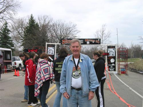Maddog waiting for the last four runners to cross the finish line of the Martian Marathon 2006.