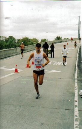 Dane Rauschenberg running the Quad City Marathon 09/24/06.