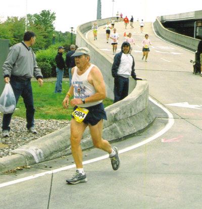Stuart Olson running the QC Half-Marathon on Sept. 24, 2006.