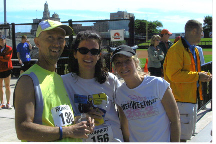 Steve Laude with friends after the Swing of the Quad Cities race in May 2006.