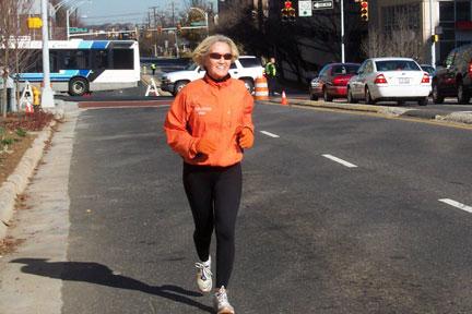 Elaine Doll-Dunn near the finish of the Charlotte Marathon on 12/09/06