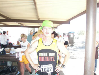 Edward Hahn runnin with the Devil, Lake Meade, NV before the start.