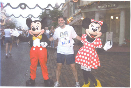 Keith LaScalea at the Disney Marathon on 01/07/07. Keith is the one in the middle.