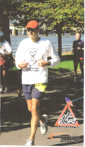 Marvin Solberg running the Marine Corps Marathon in 10/30/05.