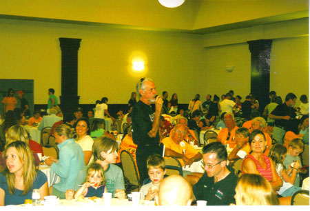 Jerry Dunn talking with the people at the pasta dinner in Omaha, NE on 09/27/08.