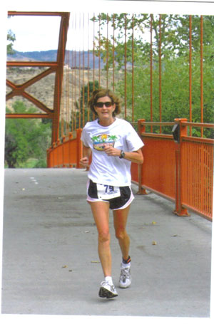 Debbie Lazaroff running the City of Trees Marathon in Boise, ID on 10/05/08.