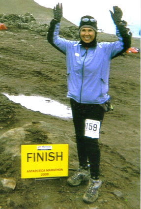 Jeannette Roostai at the finish of the Antarctica Marathon 03/10/09