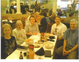 Rose Ann Jolly, Lan Repinski, Carol & Jerry Schaver, and Cyrus Rhode at Zio?s for pasta the night before the Olathe, KS Marathon 04/09/10.