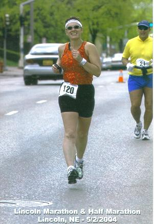 Lisa Hansen running the Lincoln, NE Marathon on 05/02/04