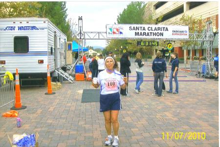 Jeannette Roostai after running the Santa Clarita Marathon on 11/07/10